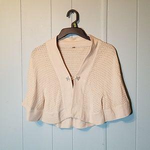 Elizabeth Gillette cardigan shawl